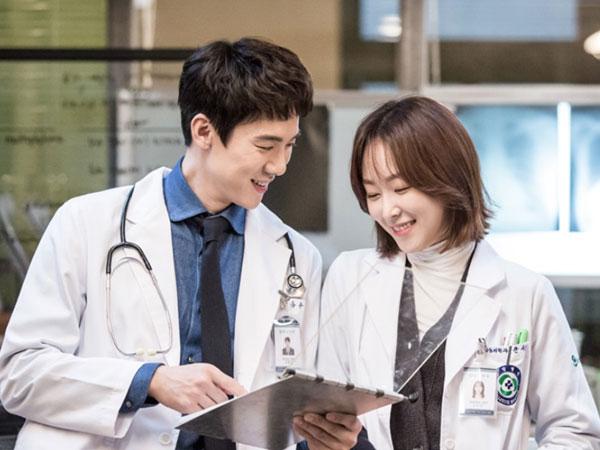 Unggul dari Drama Sejenis, 'Romantic Doctor, Teacher Kim' Dapat Dukungan Asosiasi Perawat Korea