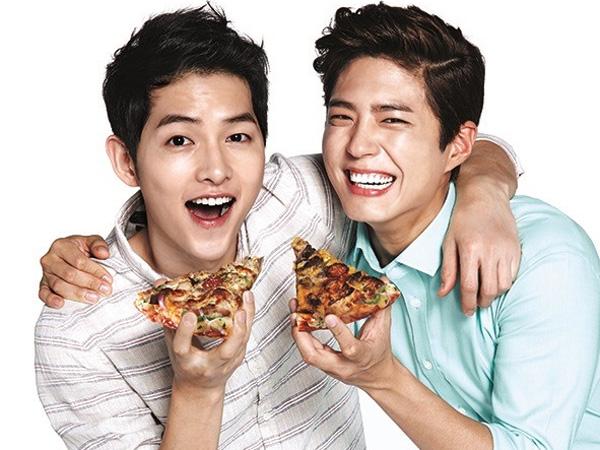 Main Iklan Pizza Bareng, Song Joong Ki dan Park Bo Gum Tunjukkan Pose Bromancenya