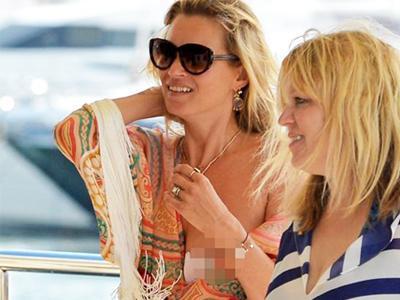 Ups, Kate Moss Alami Wardrobe Malfunction di Kapal Mewah!