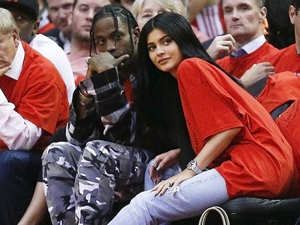 Kylie Jenner Segera Rencanakan Pernikahan dengan Travis Scott?