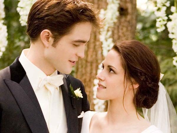 Happy 10th Anniversary, 'Twilight'! Ini Beberapa Fakta Tersembunyi Dari Kisah Cinta Manusia-Vampir!