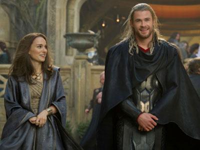 Natalie Portman Bocorkan Kemunculan Superhero Wanita