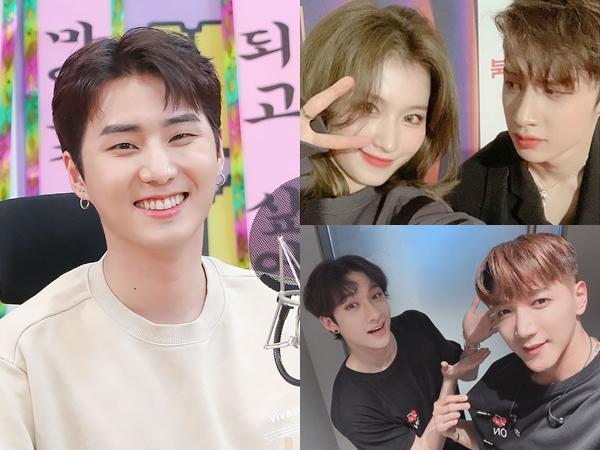 Lucunya Senior JYP Pamer Kedekatan dengan Bangchan Stray Kids