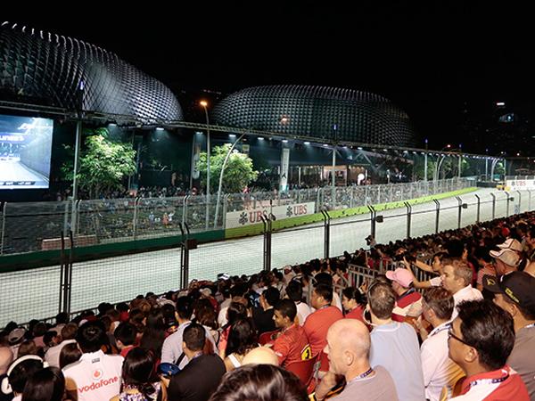 Khawatir Kabut Asap Semakin Parah, Penonton F1 Singapura Dianjurkan Pakai Masker