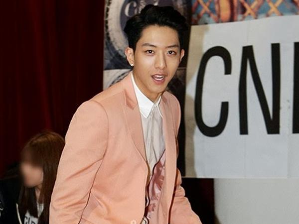 Duh, Jungshin CNBLUE Jatuh dari Panggung Saat Konser di Hong Kong!