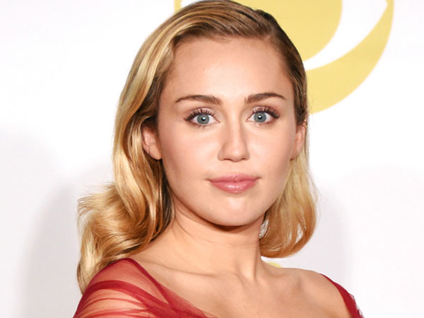 Miley Cyrus Bicara Tentang Karier Akting dan Kontroversi Tak Terlupakan di MTV VMA 2013