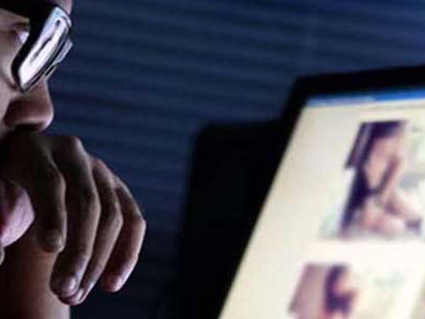 Prostitusi Online, Artis AA Pasang Tarif Rp80 Juta