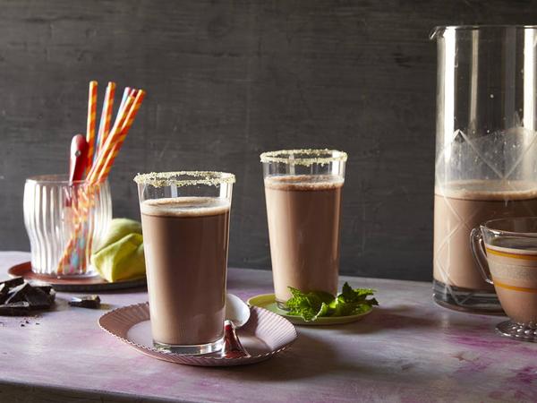 Meski Kaya Nutrisi, Ini Bahaya Sering Minum Susu Cokelat
