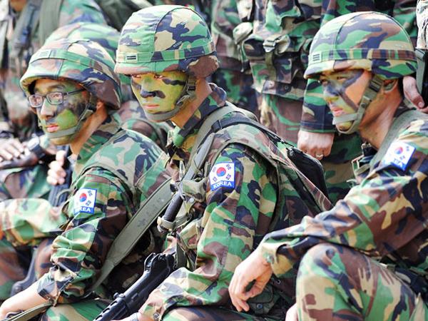 Sebanyak 70 Persen Anggota Militer Korea Selatan Pakai Kosmetik
