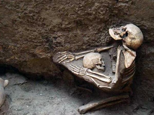 4000 Tahun Terpendam, Jasad Ibu dan Anak Ditemukan Tengah Berpelukan