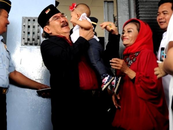 Tepat di Hari Pahlawan, Ini Momen Bahagia Mantan Ketua KPK Antasari Azhar Bebas dari Penjara