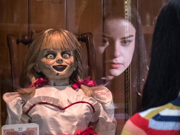 Seramnya 'Annabelle Comes Home' Tak Bisa Geser 'Toy Story 4' dari Puncak Box Office