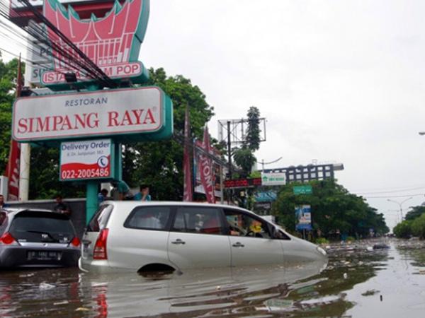 Banjir Parah di Bandung, Rusak Ratusan Rumah dan Memakan Korban Jiwa