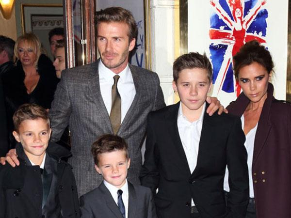 Manisnya Bentuk Dukungan dari Keluarga Untuk Victoria Beckham di New York Fashion Week