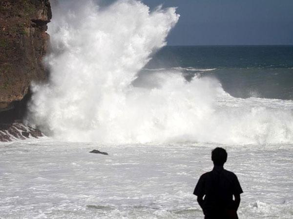 'Waspada' hingga 'Berbahaya', BMKG Keluarkan Peringatan Dini Gelombang Tinggi di Kawasan Ini