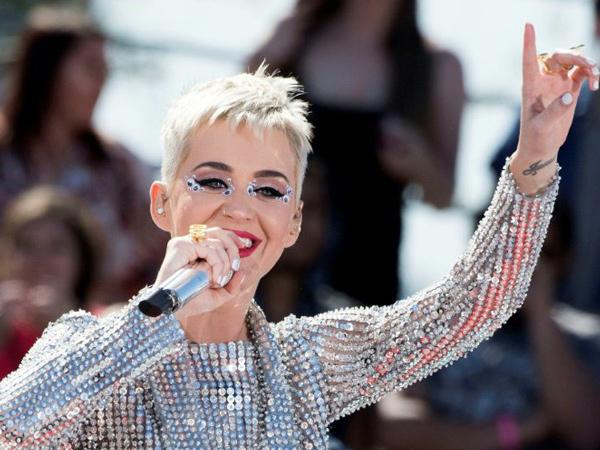 Katy Perry Juga Batal Tampil di Victoria Secret karena Ditolak China!