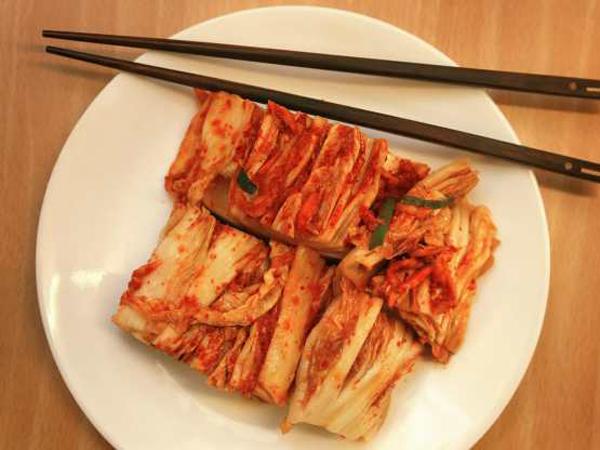 Inilah Alasan Menarik Kamu Wajib Makan Kimchi