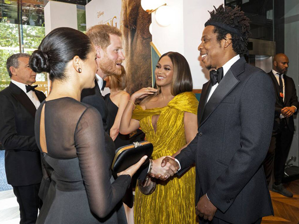 Meghan Markle-Pangeran Harry dan Beyonce-Jay Z Asik Ngobrol di Premiere 'The Lion King'