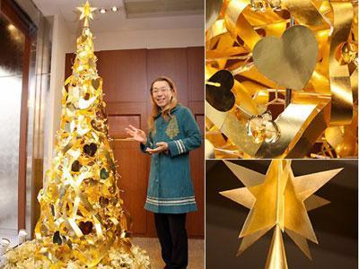 Wow, di Jepang Ada Pohon Natal Berlapis Emas