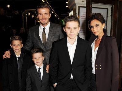 Victoria Beckham Sesali Tak Punya Banyak Waktu Keluarga