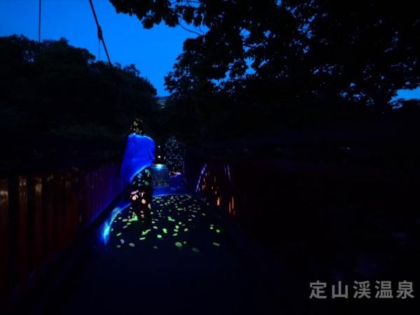 Keren! Iluminasi Pemandian Air Panas Jozankei Sapporo, Hokkaido Manjakan Mata Pengunjung