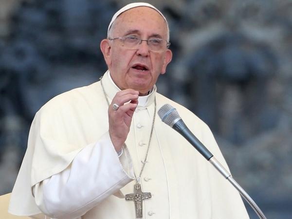 Paus Fransiskus Serukan Doa Atas Tragedi Bom Bunuh Diri Tiga Gereja Surabaya