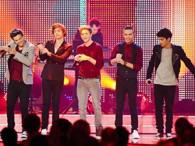 Duh, Pengumuman Besar yang Dijanjikan One Direction Malah Buat Fans Kecewa!