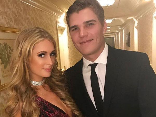 Pamer Kemesraan dengan Seorang Pria, Inikah Pacar Baru Paris Hilton?