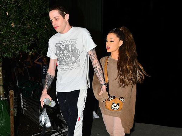 """Ariana Grande Beri Respon Lelucon Pete Davidson Tentang Bom Manchester: """"Itu Tidak Lucu!"""""""
