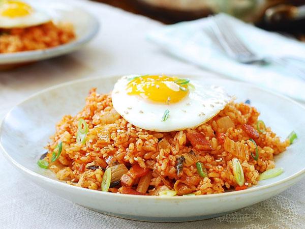 Resep Nasi Goreng Kimchi Khas Korea yang 'Akur' di Lidah dan Mudah Dicoba, Bokkeumbap!