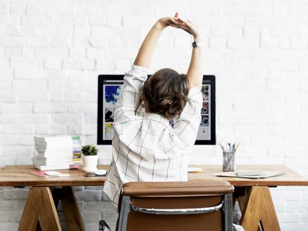 Jangan Mager! Ini 5 Dampak Mengerikan dari Kebiasaan Duduk Terlalu Lama