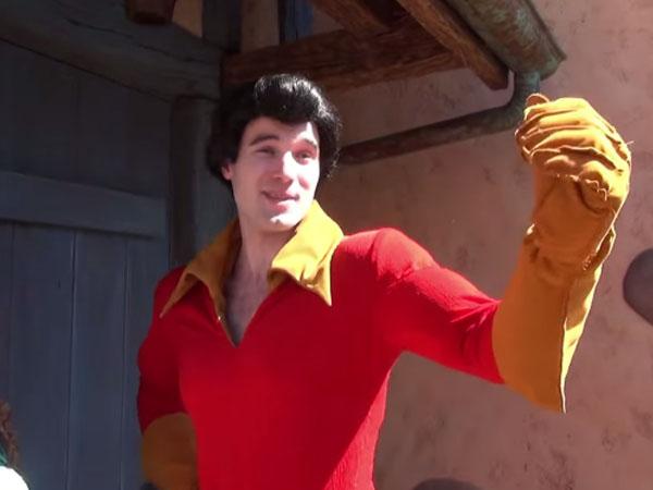 Nyalakan Kembang Api Dikepala, Aktor Disney Ini Meninggal Dunia