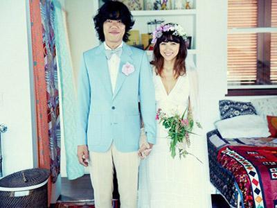 Gaya Simple dan Tak Biasa dari Pernikahan Lee Hyori dan Lee Sang Soon