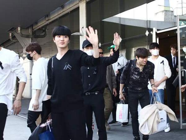 Ini Alasan Infinite Kompak Kenakan Outfit dan Pita Hitam di Bandara Thailand