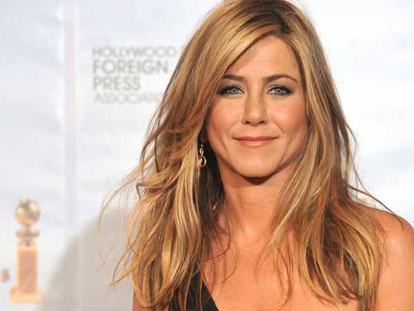 Tidak Pakai Cincin di Jari Manis, Jennifer Aniston Batal Menikah?