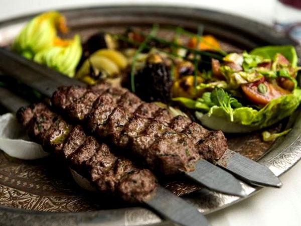 Diklaim Menjadi yang Terenak, Kebab Ini Dijual Dengan Harga Lebih dari 10 Juta!