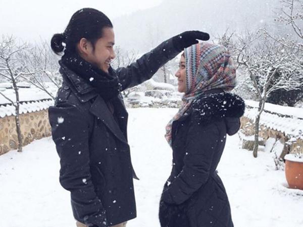 Main 'Jilbab Traveler', BCL dan Morgan Oey Syuting Romantis di Korea