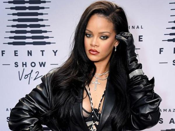 Rihanna Akhirnya Minta Maaf Soal Lagu Hadis dalam Peragaan Busana Pakaian Dalam