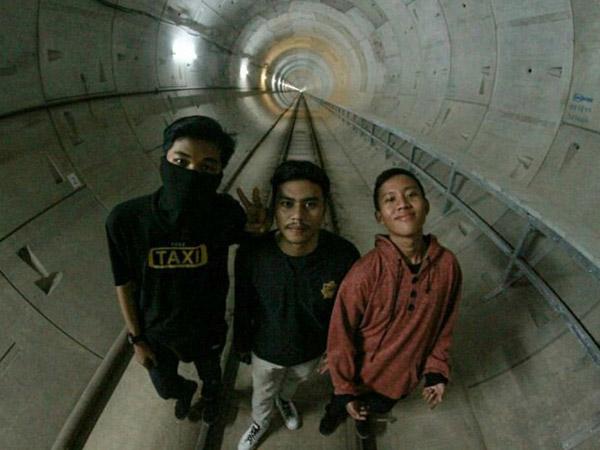 Ini Klarifikasi Remaja yang Berfoto dan Unggah Selfie 'Ilegal' di Terowongan MRT