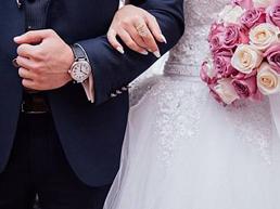 Viral! Pernikahan Super Mewah ala 'Crazy Rich Surabayan' dari Souvenir Emas sampai Undang MLTR!