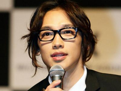 Selesai Wajib Militer, Rain Siap Bergabung ke Cube Entertainment