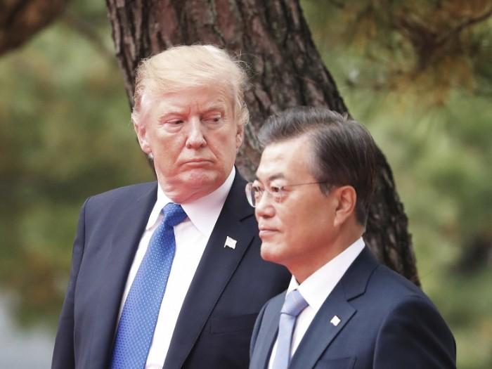 Donald Trump Minta Bantuan Korea untuk Atasi Pandemi Corona di Amerika