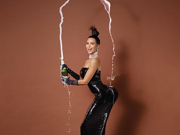 Kim Kardashian Tampil Berani Dengan Benar-benar Tanpa Busana Untuk Majalah Paper