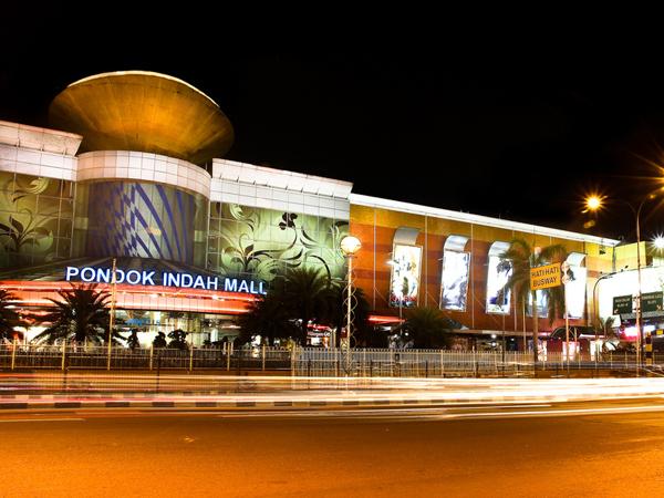 Pengunjung Pondok Indah Mall Nekat Loncat Dari Lantai 1