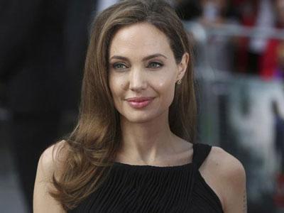 Angelina Jolie Tinggalkan Anak-anaknya Sementara Demi Syuting di Australia