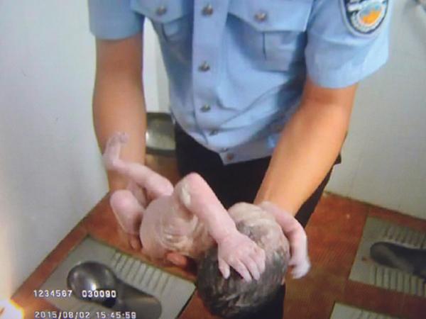 Dibuang ke Pipa Toilet, Bayi Baru Lahir Berhasil Diselamatkan Polisi