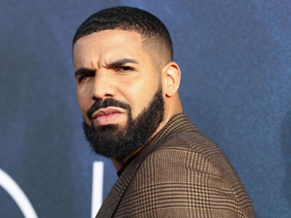 Jadi Tamu Kejutan, Drake Dicemooh Penonton Saat Manggung di Festival Musik