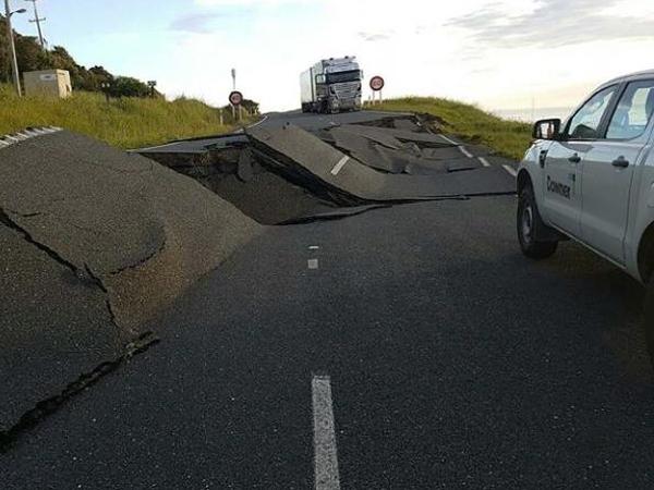 Telah Diramalkan Seminggu Lalu, Gempa & Tsunami Selandia Baru Berhubungan dengan 'Supermoon'?