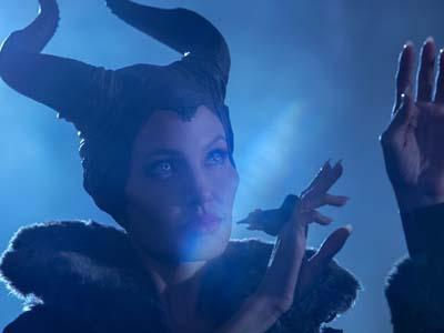 Tak Cukup Vivienne, Angelina Jolie Ajak Dua Anaknya Tampil di 'Maleficent'?