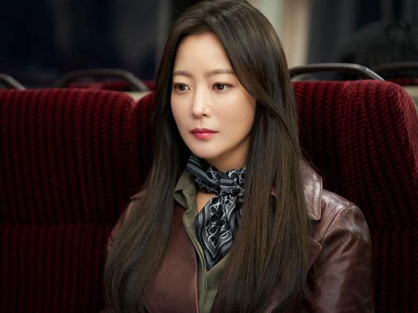 Coba Genre Sci-Fi Thriller, Kim Hee Sun Tuai Pujian Staf Drama 'Alice'